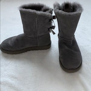 Gray bailey bow UGG boots
